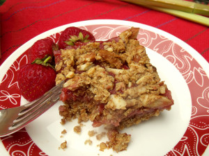 strawberry-rhubarb-squares