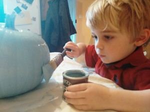 J painting his teal pumpkin #tealpumpkinproject #foodallergies