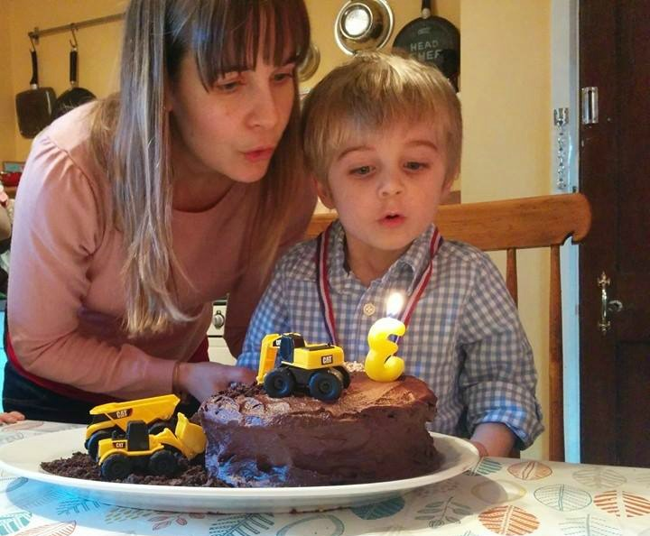 Making a construction cake for third brithday