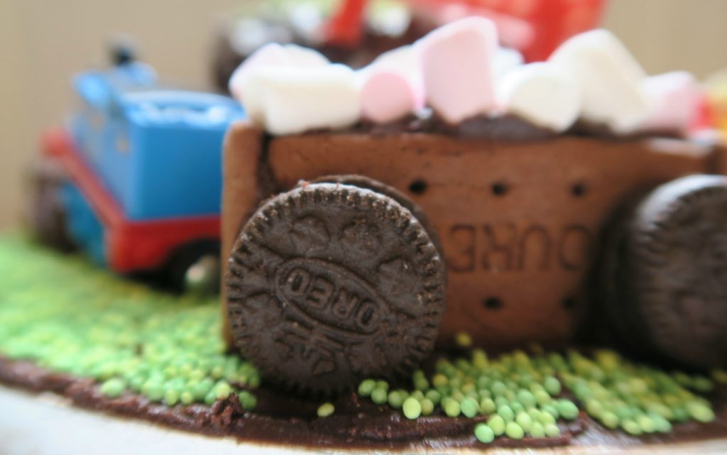 How to make a train cake dairy and egg free