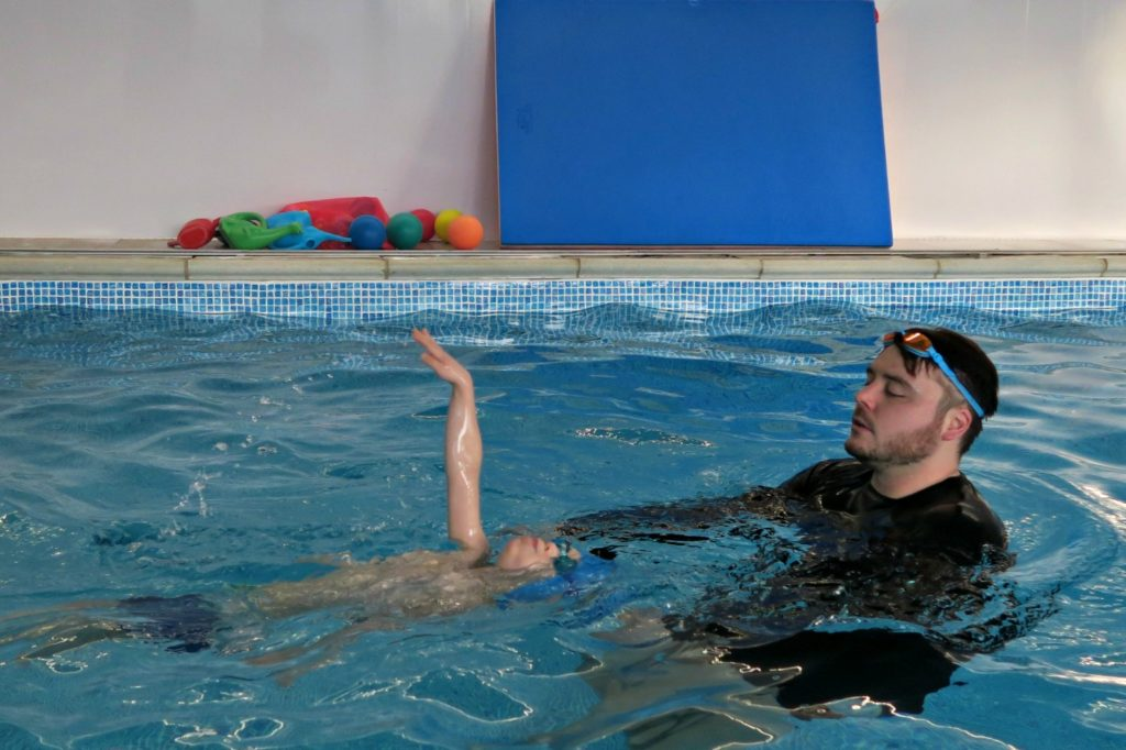swimming lessons bedfordshire