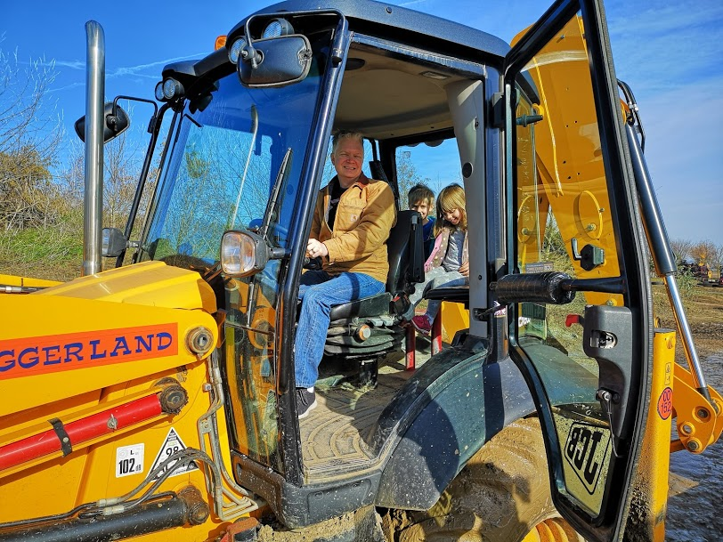 driving a digger at diggerland